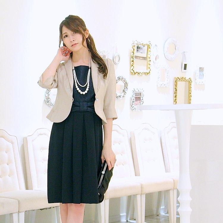 30代、40代、50代、60代大人女性が似合うネイビードレス
