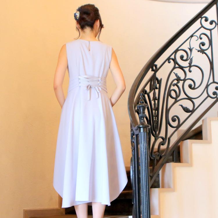ラベンダーグレードレスが大人の女性にぴったり