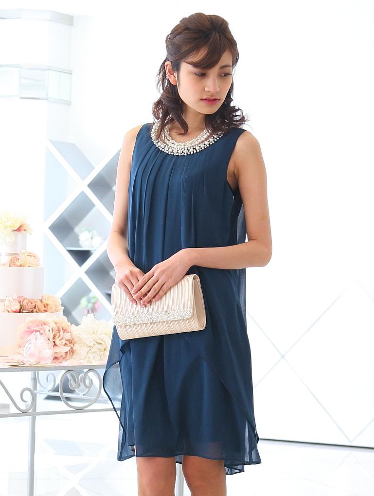 結婚式では華やかに着こなせるビジュー付きドレス