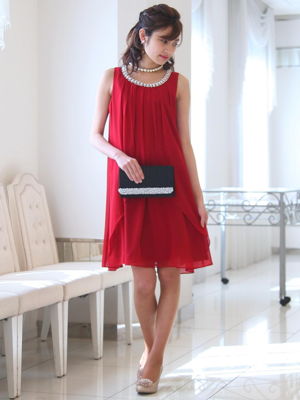 二次会・パーティーにぴったり華やかカラーのローズレッドドレス