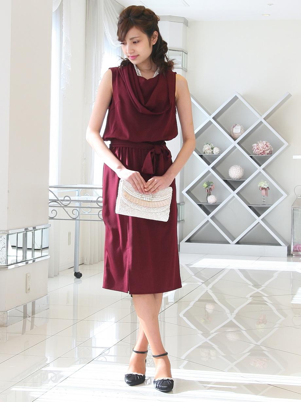 上品な大人デザインのノースリーブお呼ばれドレス