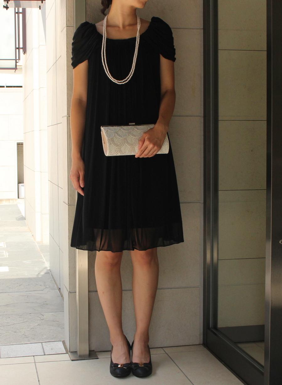 大人の着こなしに最適なブラックドレス
